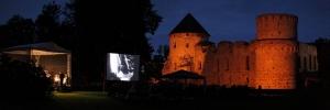 Viduslaiku pils kino